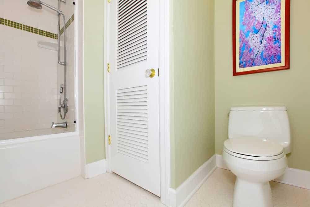 painting behind toilet